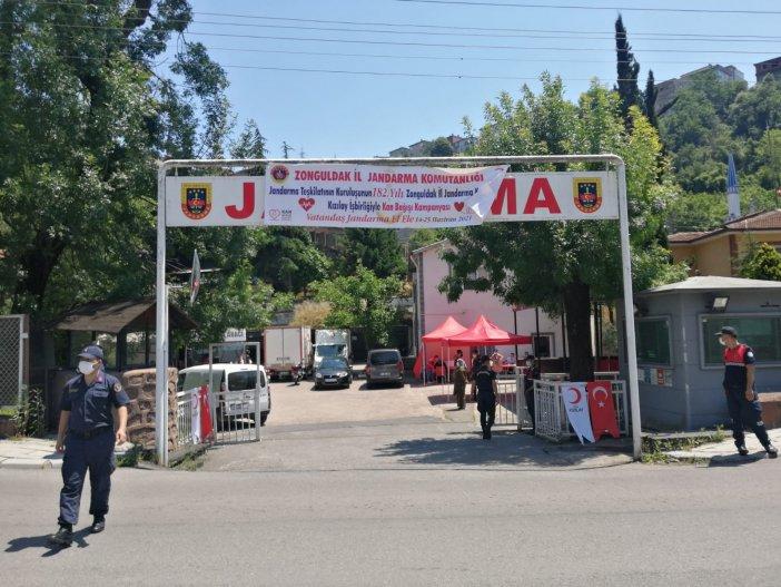 Jandarma'dan 156 Ünite Kan Desteği