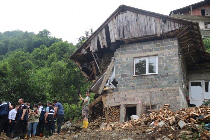 Bakan Murat Kurum, Selin Dehşet Anlarının Yaşandığı Ballıdere Köyünde İncelemelerde Bulundu