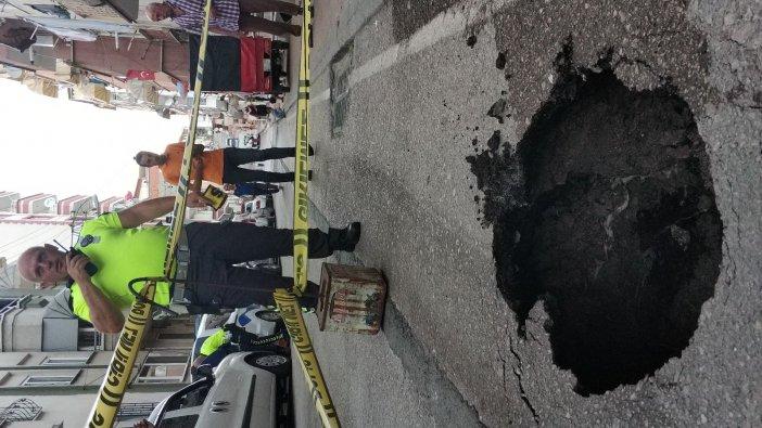 Samsun'da Yol Çöktü, Aracın Lastiği İçine Düştü