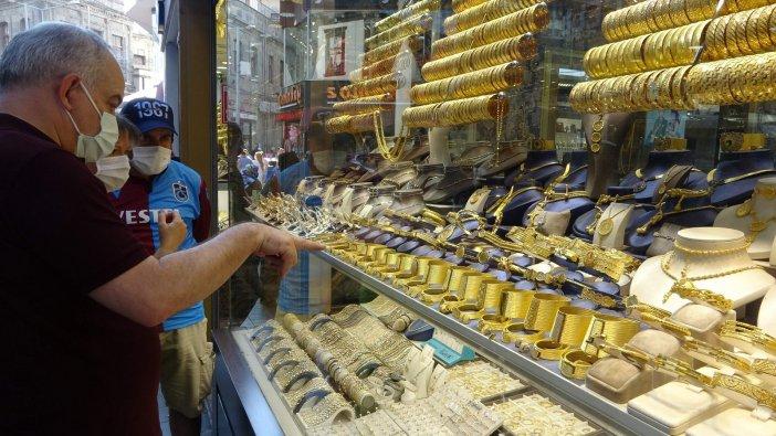 Altın Fiyatlarındaki Düşüş Kuyumcuları Hareketlendirdi