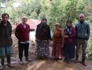 Rize Tunca'da Evlerinden son anda kendilerini dişarı atarak kurtuldular