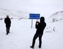 Karadeniz Bölgesi'nde yüksek kesimlerde kar yağışı etkili oluyor